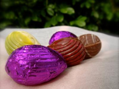 Cristal paper with Easter Eggs
